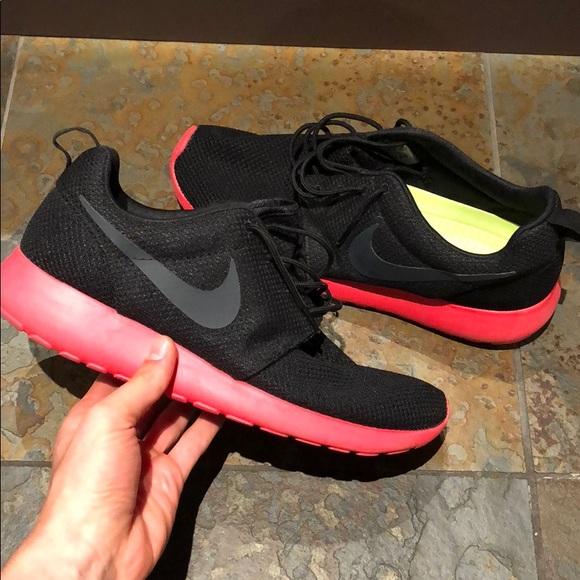 Spiel Nike Roshe Run (Legion RotWolf GrauGeraniumSchwarz